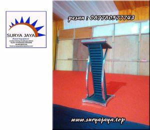 Kami menyewakan berbagai macam podium untuk mendukung suksesnya acara penting anda
