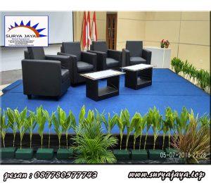 Menyewakan kursi sofa hitam untuk berbagai macam acara
