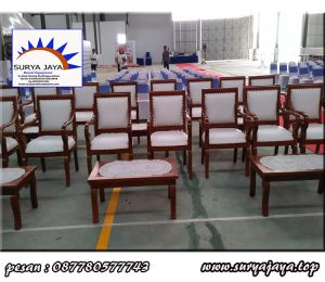 Disewa kursi kayu vip berkualitas dan berkelas murah di karawang