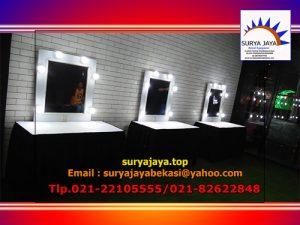 Menyewakan Kaca Rias Lengkap Dengan Lampu Penerangan LED