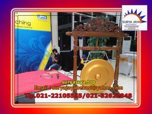 Menyewakan Gong Untuk Pembukaan Suatu Acara
