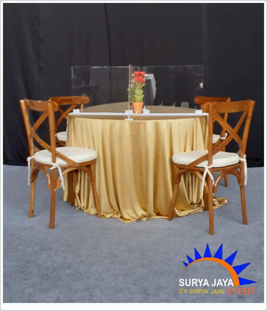 Sewa Meja Bulat Dan Penyekat Acrylic Siap Kirim
